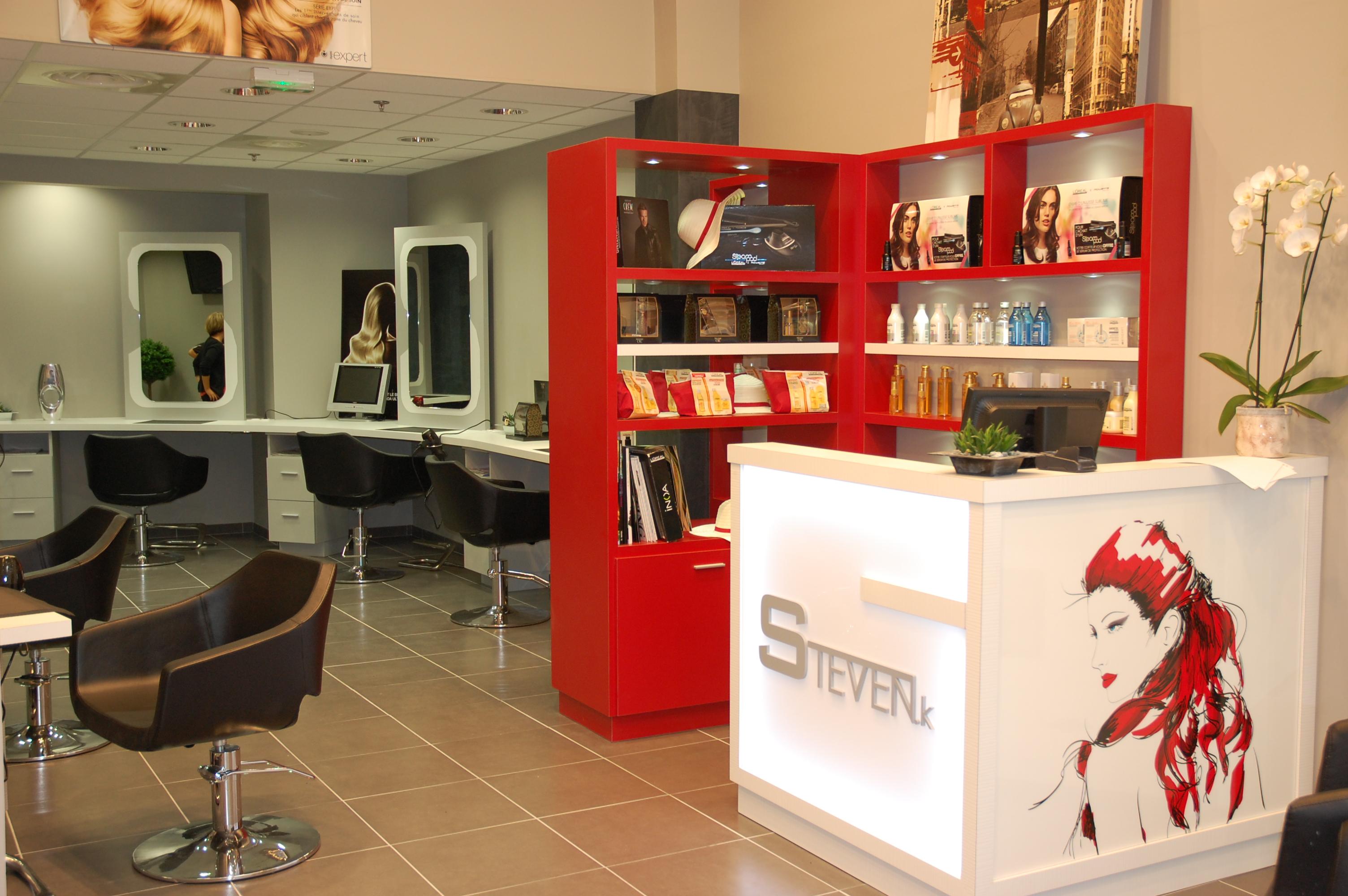 Steven coiffure cc p le sud basse goulaine 44 salon for Salon de coiffure brive